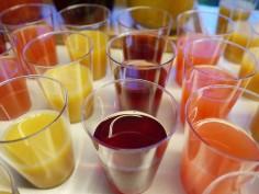 Picie płynów podczas posiłku jest szkodliwe?