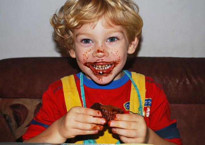 Choroby wirusowe i bakteryjne – pozwól dziecku je przejść
