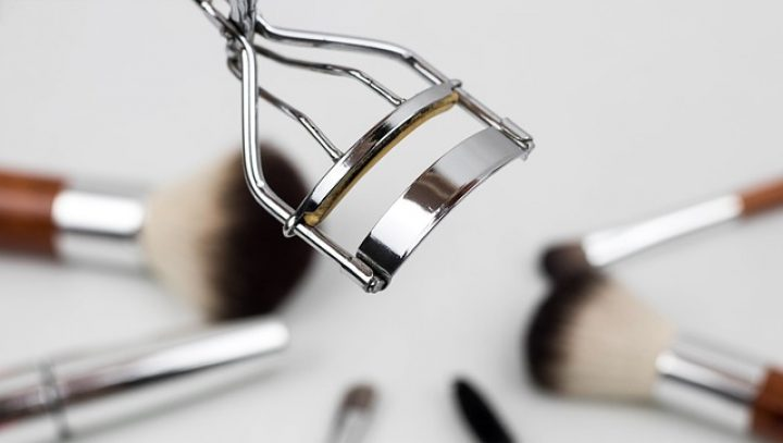 Zrezygnuj z makijażu i zobacz efekty