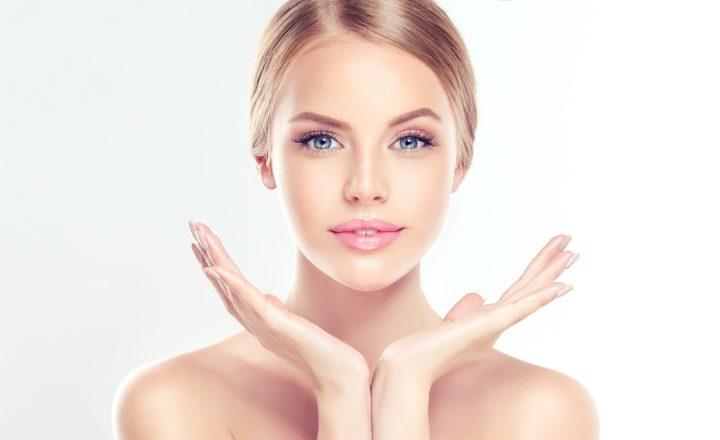 Jak pielęgnować twarz rano? 5 kroków do uzyskania idealnej cery