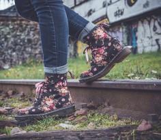 Niezdrowe buty to nie tylko szpilki