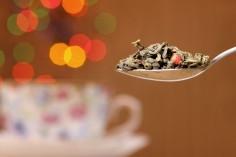 Z cytrynką czy bez, czyli co warto wiedzieć o technice parzenia czarnej herbaty