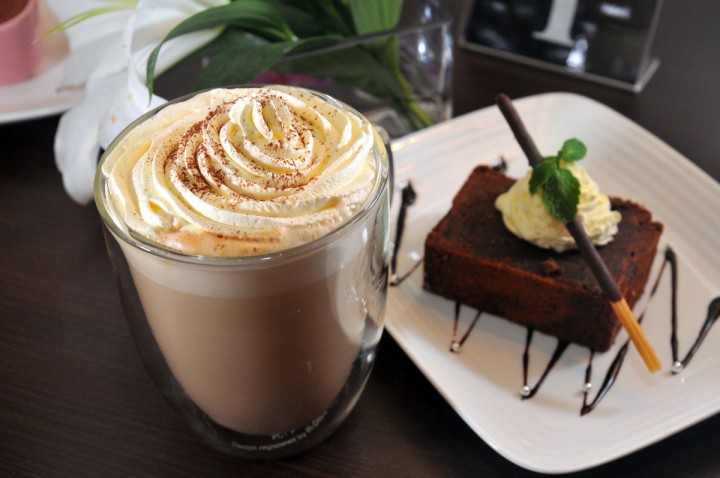TOP 5 przepisów na deserowe kawy – na co dzień i od święta